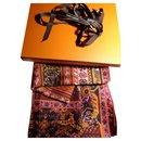 Hermes, TAPIS PERSANS 140*140 cm - Hermès