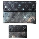 Galaxy sleeve duo Louis Vuitton