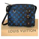 Amazon Digital Bleu PM - Louis Vuitton