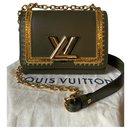 Twist PM - Louis Vuitton