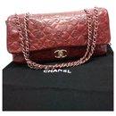 Porte-bonheur en relief matelassé - Chanel