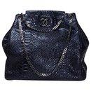 large python hobo tote bag - Chanel