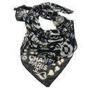 Black white CHANEL shawl - Chanel