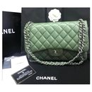 Sac à rabat doublé classique Chanel Jumbo