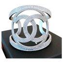 Grande manchette en cristal Chanel CC