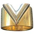 Essential V - Louis Vuitton
