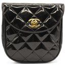 Chanel quilted patent leather Belt bag 1996-1997