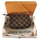 Louis Vuitton, LOUIS VUITTON Mini Pochette Damier Ebène canvas