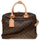 Louis Vuitton Alize travel bag in monogram canvas and natural leather, New condition