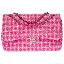 Exceptional Chanel Timeless Jumbo lined flap handbag in pink Tweed, Garniture en métal argenté