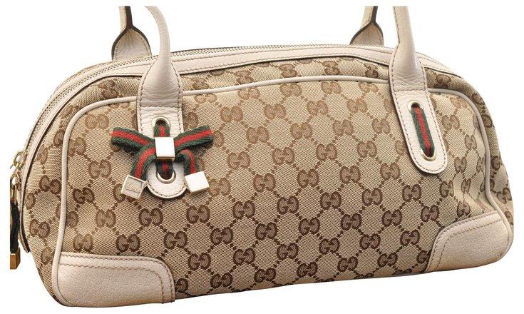 Authentic GUCCI GG canvas shoulder bag crossbody 181092