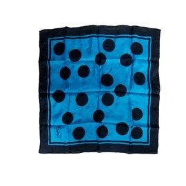 Yves Saint Laurent-Carrés-Bleu