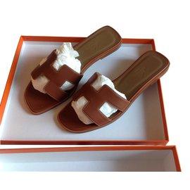 Hermès-Mules-Caramel