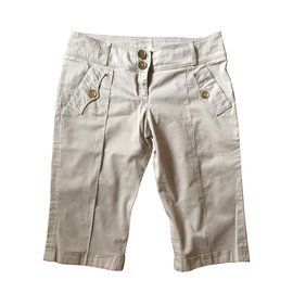 Burberry-Shorts-Beige