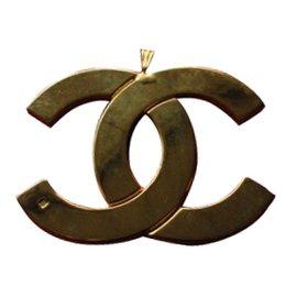 Chanel-Pendentif-Doré
