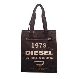 d5dc3dc69eb Second hand Diesel Bags - Joli Closet