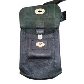 Mulberry-Handbags-Black