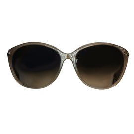 Burberry-Sunglasses-Taupe