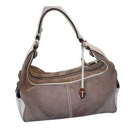d960efa86677 Second hand Tod s Luxury bag - Joli Closet