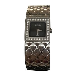 Chanel-Montre matelasse-Noir