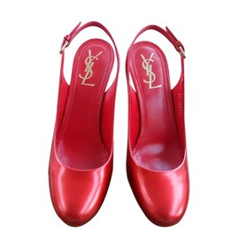 Yves Saint Laurent-Escarpins-Rouge