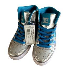 Autre Marque-DC Shoes modèle YOUTH'S SPARTAN-Argenté