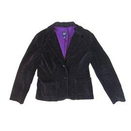 Gap-Jackets-Black