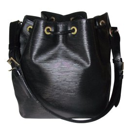 Louis Vuitton-Handbags-Black