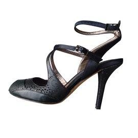Bloch-Heels-Black