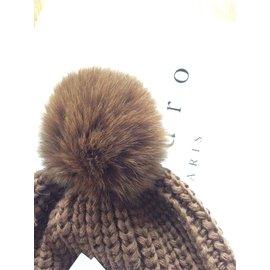 8b8299e2461 Second hand Sandro Women s accessories - Joli Closet