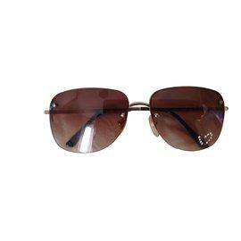 Chloé-Sunglasses-Golden