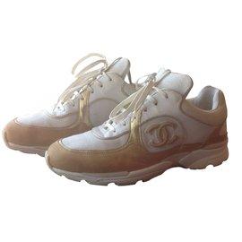 Chanel-Sneaker-Beige