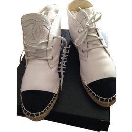 Chanel-Espadrilles montantes-Blanc