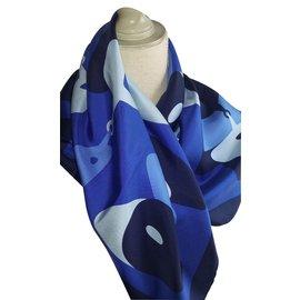 Gucci-Carrés-Bleu