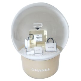 Chanel-Snow ball-White