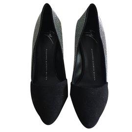 194d098407cb Second hand Giuseppe Zanotti luxury shoes - Joli Closet