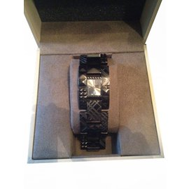 Burberry-Fine watches-Black