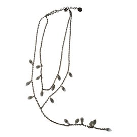 Céline-Necklaces-Silvery