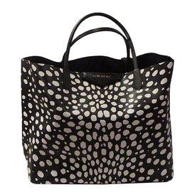 2515516f1b29 Sacs à main Givenchy occasion - Joli Closet