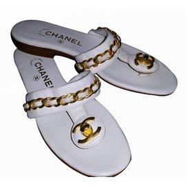Chanel-Tongs-Blanc