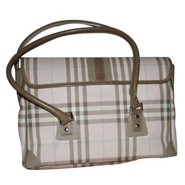 Burberry-Handbag-Pink
