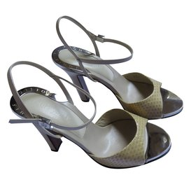 Louis Vuitton-Sandals-Beige