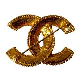 Chanel-Broche vintage-Doré