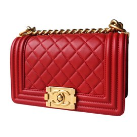 Chanel-Boy-Rouge
