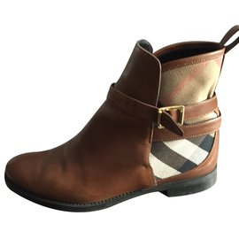 Burberry-Ankle Boots-Caramel