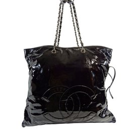 Chanel-Cabas cuir verni XXL-Noir