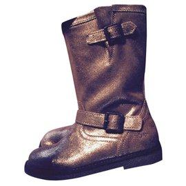 Pom d'Api-Boots-Golden