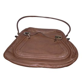 Chloé-Handbag-Brown