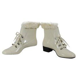 Chanel-Bottines avec fourrurre-Blanc