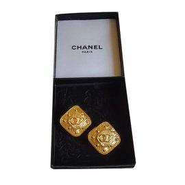 Chanel-Clip earrings-Golden